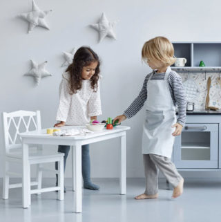 Designstuff-Minimalist-Style-Kids-Decor-Kitchen-Play